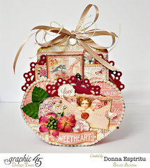 Heart cup with gift tags