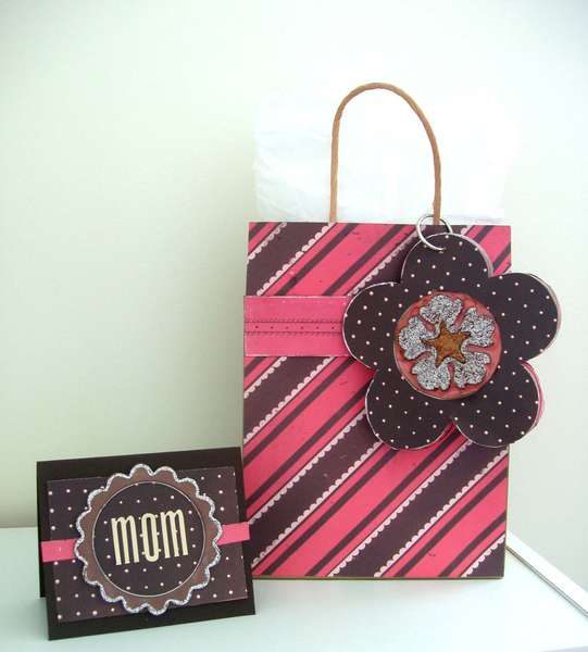 Mom Card and Bag Set *NEW RUSTY PICKLE CHOCOLATE KISSES*