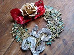 Christmas wreath of the paper