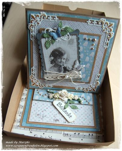 easel card in box