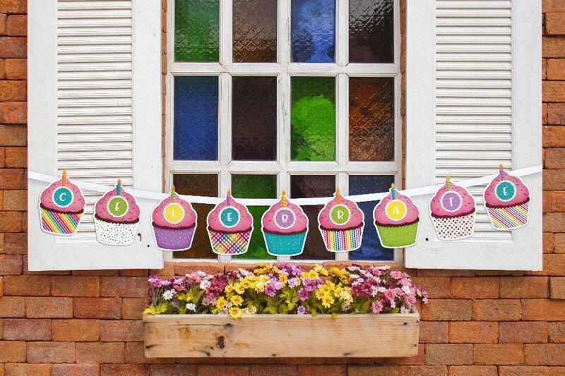 Sunny Studio Cupcake Shape Card by Mendi Yoshikawa