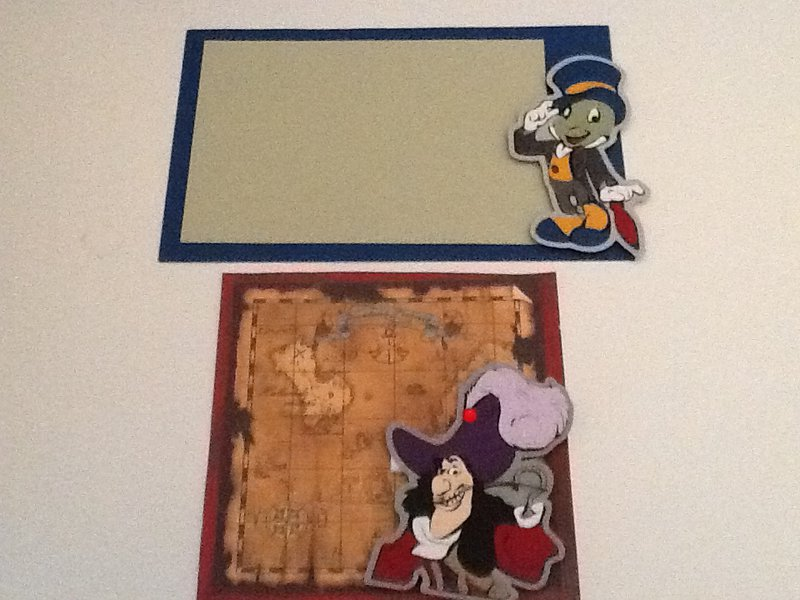 Disney Swap - Jimney Cricket Photo Mat, Captain Hook Die Cut