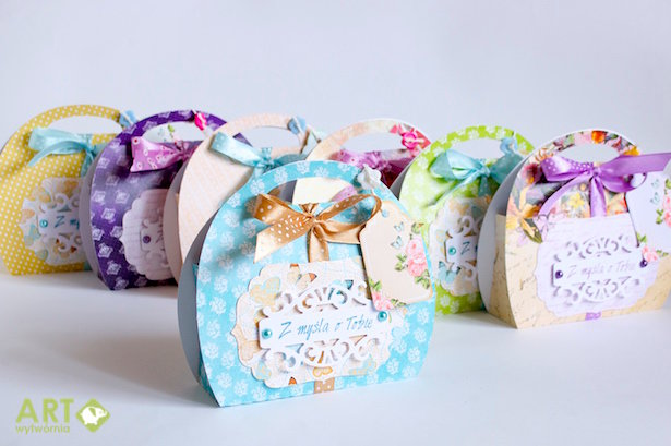 Birthday party favours - handbag boxes