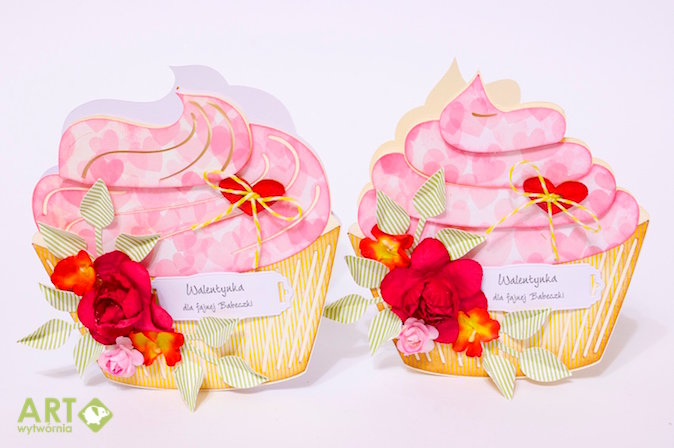 Muffin shaped valentine cards
