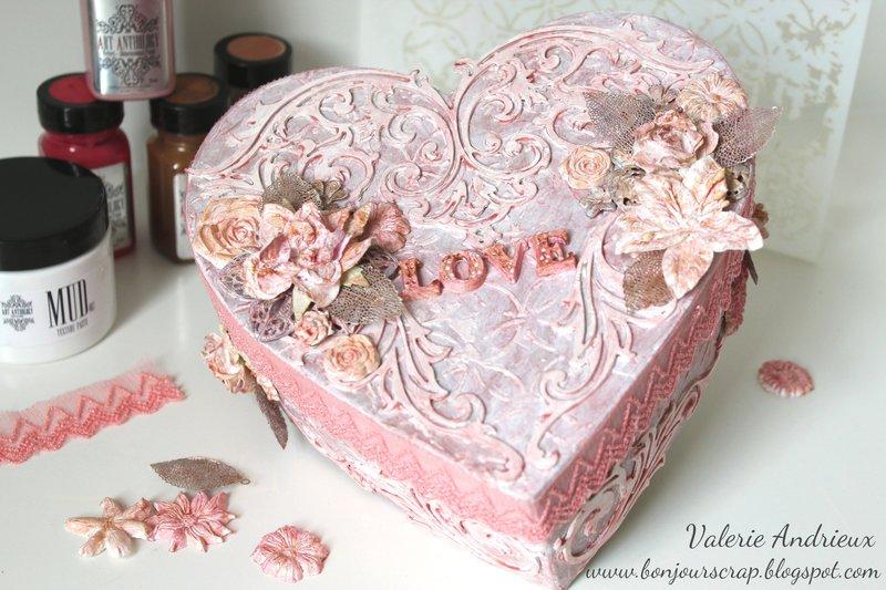 Shabby altered heart box