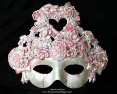 Queen of heart / an altered mask