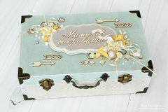 Shabby chic Mama's treasures.