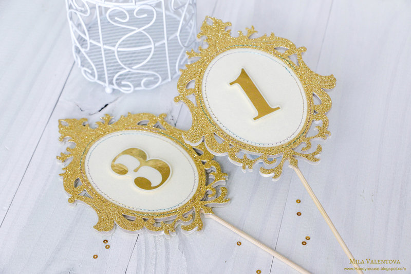 Great Gatsby style toppers.