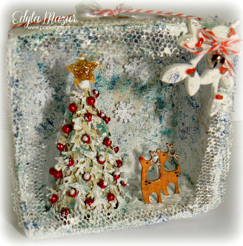 Shadow box with reindeers