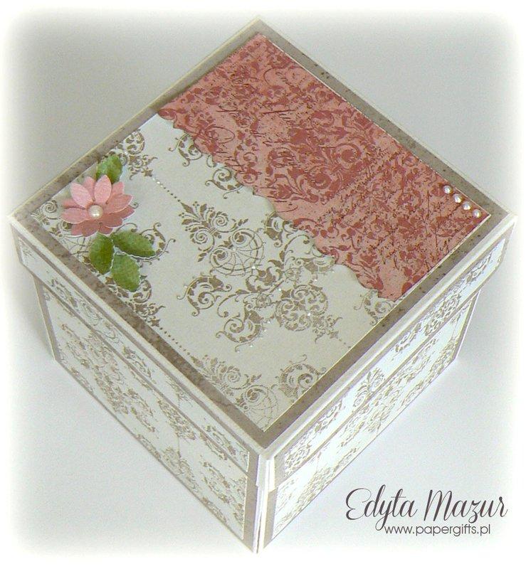 Gray and roses wedding box for Kinga and Karol
