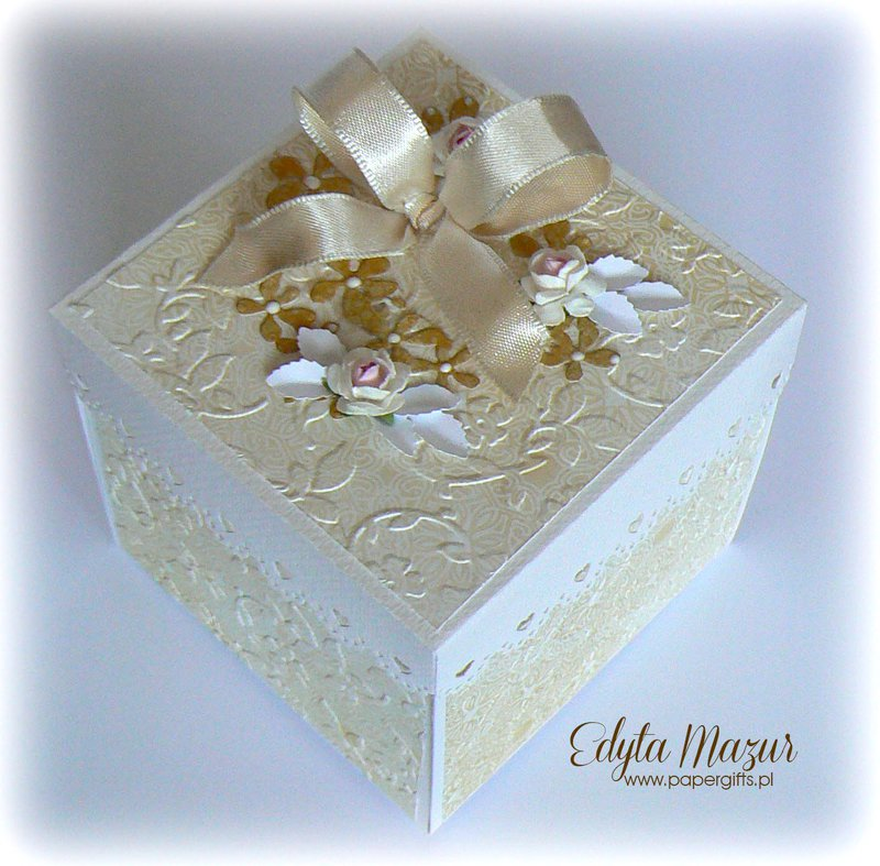 Gold and white box for Agata and Luke - Wedding