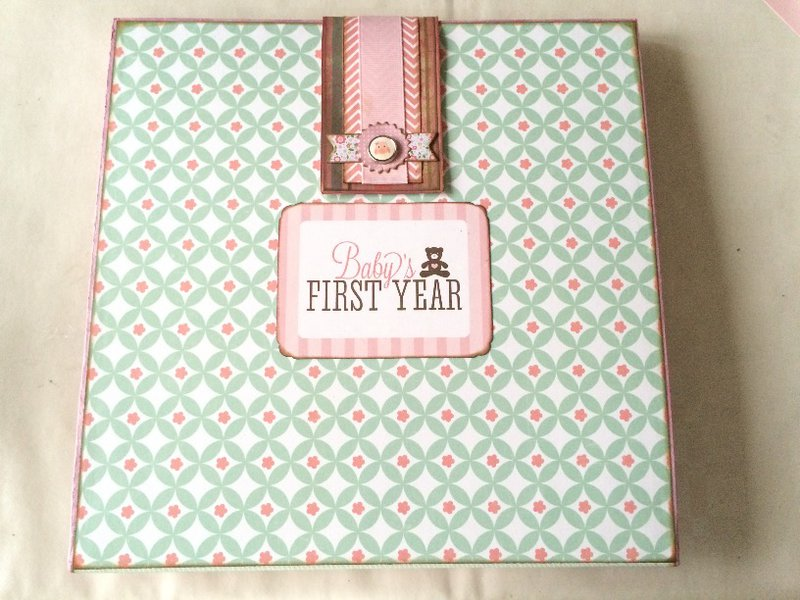 Four-Fold Photo Board 'Baby's First Year' - Back