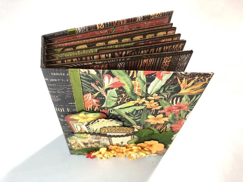 Safari Adventure Folders & Pockets Album