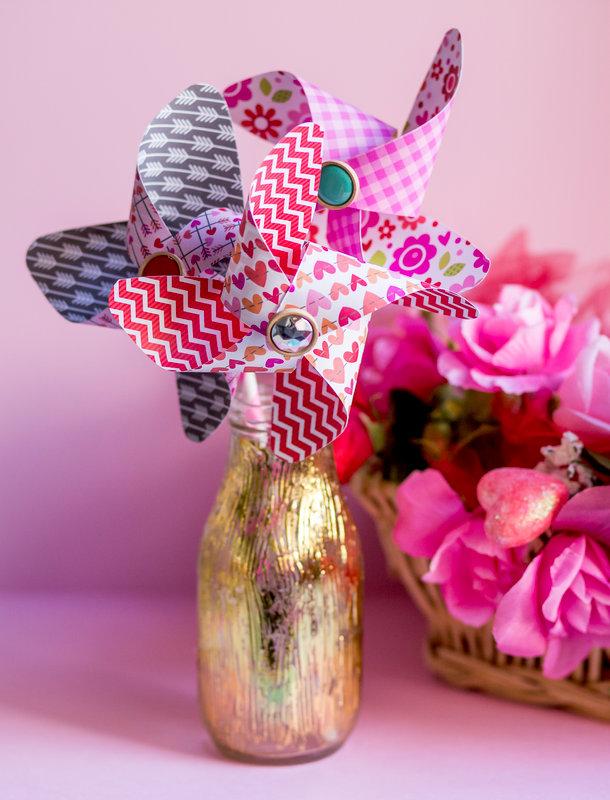 Valentine Decor - Gold foiled vase