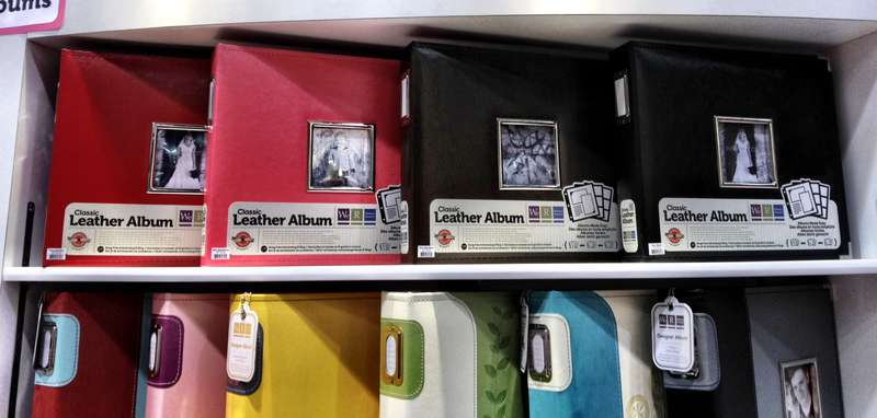 NEW We R Memory Keepers CHA - Classic Leather Albums