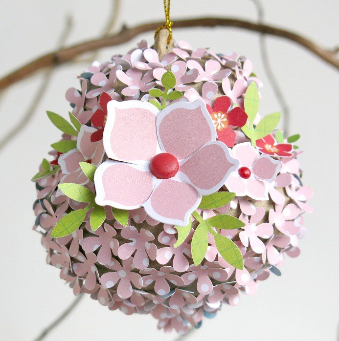 Christmas Bauble by Melinda Spinks