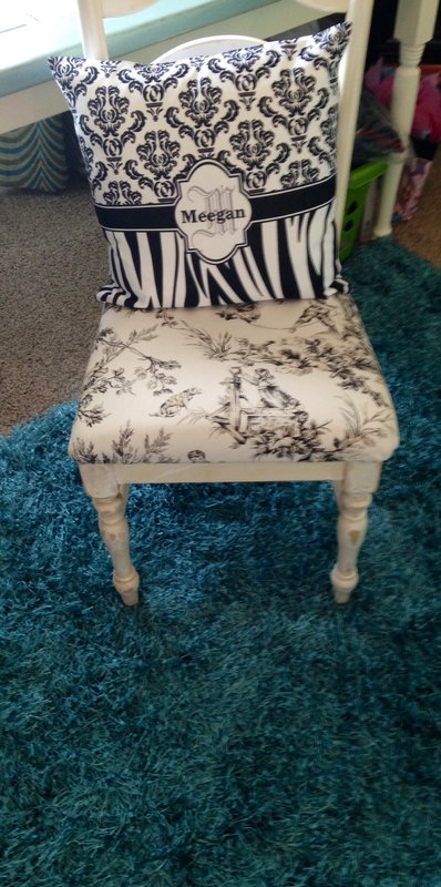 Scrapbooking desk chair & personalized pillow