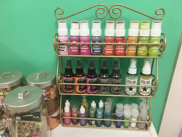 Paint and spray ink storage