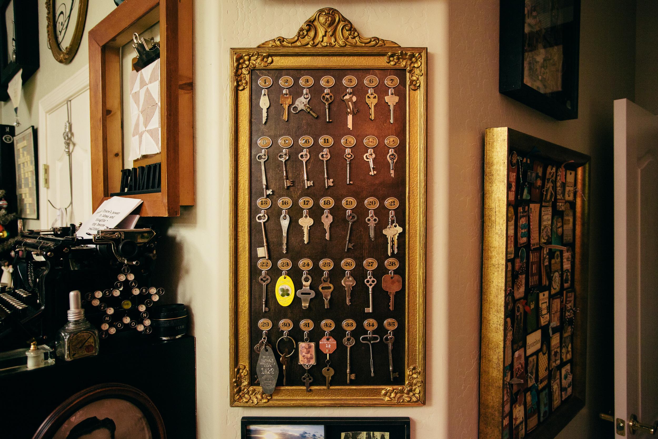 Studio decor vintage hotel key board altered for Vintage hotel decor