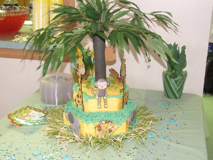 View Full Size | More jungle animal shower cake |