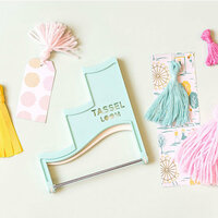 We R Memory Keepers - Tassel Loom
