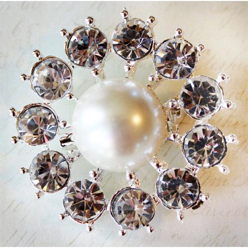 Melissa Frances - Vintage Jeweled Brooch - Grannys Pearl