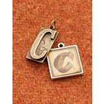 Making Memories - Vintage Groove Collection - Jewelry Alphabet Charms - Letter C