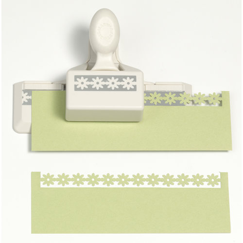 Martha Stewart Crafts - Double Edge Punch - Daisy Chain Trim