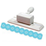 Martha Stewart Crafts - Double Edge Punch - Doily Lace Trim