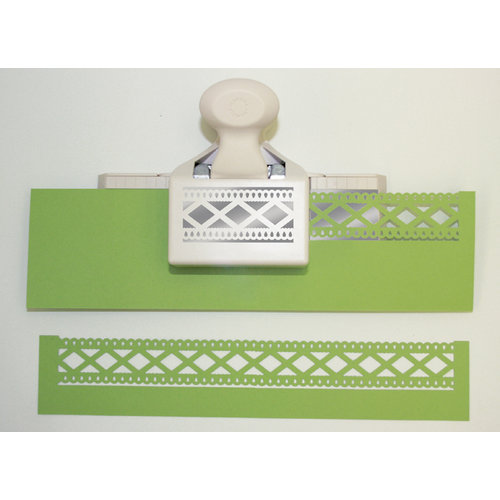 Martha Stewart Crafts - Double Edge Punch - Diamond Fence Trim