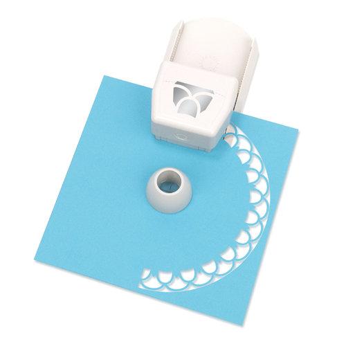 Martha Stewart Crafts - Circle Edge Punch Cartridge - Layered Flower