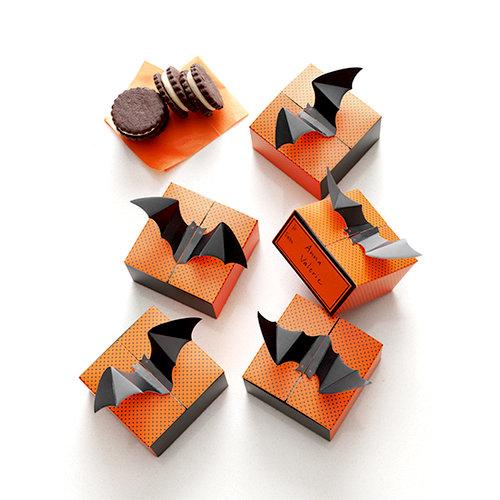 Martha Stewart Crafts - Animal Masquerade Collection - Halloween - Bat Treat Boxes
