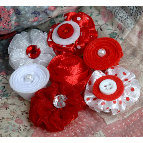 Petaloo - Expressions Collection - Mini Fabric Flowers - Red 1
