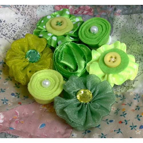 Petaloo - Expressions Collection - Mini Fabric Flowers - Green