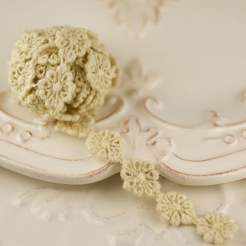Prima - Alencon Collection - Tea Stained Crochet Strand Spool - 30 Yards