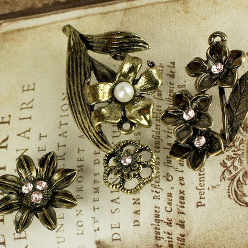 Prima - Vintage Trinkets Collection - Metal Embellishments - Flowers Mix 3