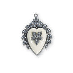 Spellbinders - A Gilded Life Collection - Pendant - Vintage Heart Locket - Silver