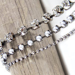 Spellbinders - A Gilded Life Collection - Antiqued Rhinestone Chain II