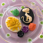 Websters Pages - Once Upon a Halloween Collection - Perfect Accents - Resin Cameo Pieces