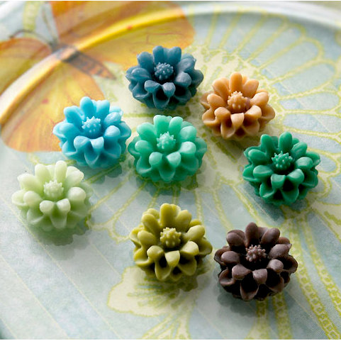 Websters Pages - Whimsies - Resin Embellishment Pieces - Mini Flower Petals - Variety