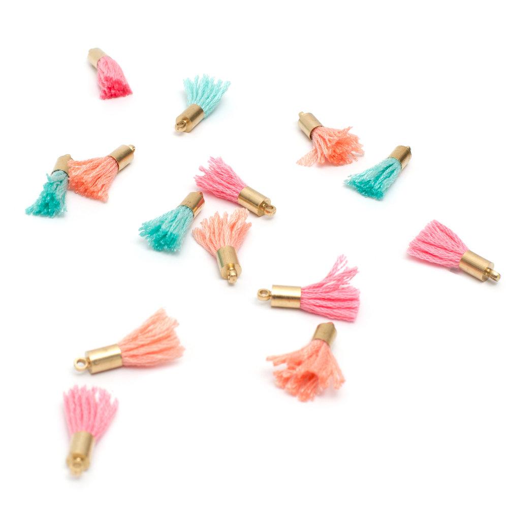 American Crafts Maggie Holmes Mini Tassels에 대한 이미지 검색결과