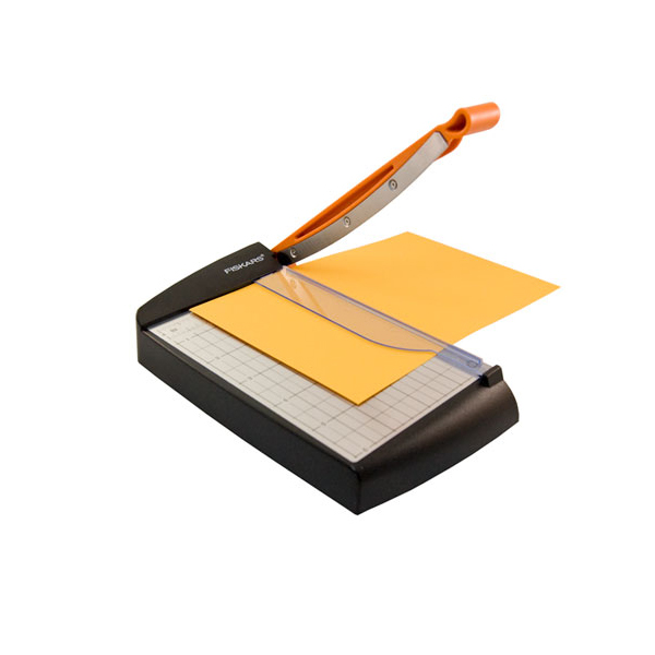 fiskars paper cutter Get the fiskars® surecut™ scrapbook paper trimmer at michaelscom keep all of your scrapbook pages crisp and clean with this trimmer specifically designed to meet your needs.